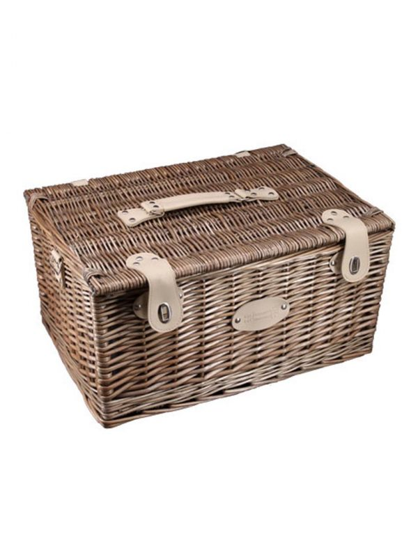 This picnic basket was designed for 2 people.